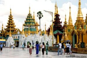 Yangon, the Swedagon pagoda