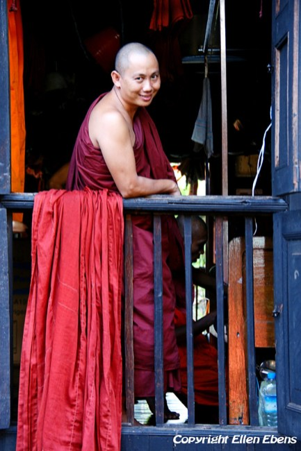 Yangon, monk at the monastery behind the Chauk Htat Gyi pagoda