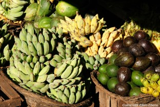 Kalaw, fruits for sale