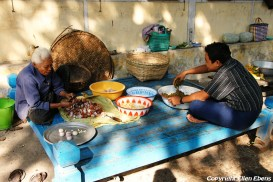 Amarapura, preparing food at the Mahagandayon Kyaung Monastery
