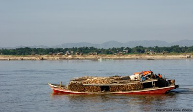 Boat trip on the Ayeyarwady River to Mingun