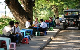 Pyay, restaurant at the roadside