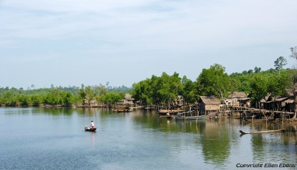On the road from Pathein to Chauntha Beach, crossing a river