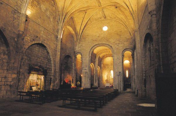 Turismo por Navarra: Interior de Leire. Fotografía cedida por el Archivo de Turismo Reyno de Navarra