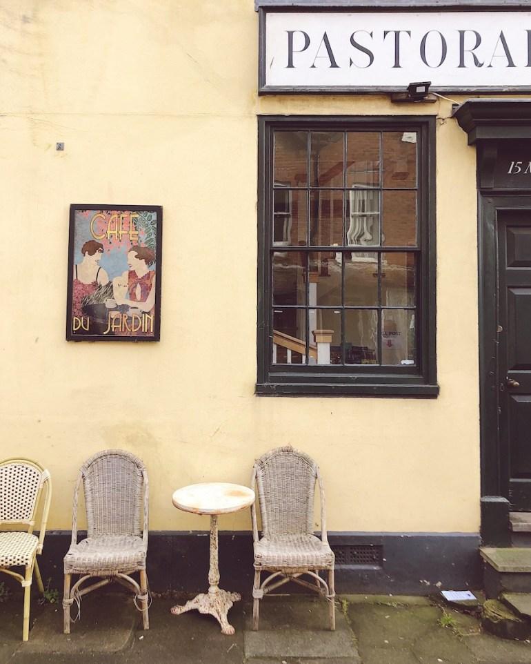 cafe du jardin pastorale antiques