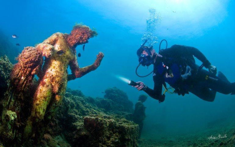 diving at baia italy