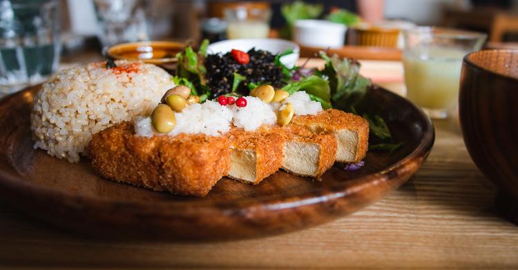 side view of tofu katsu lunch set from Musubi Cafe in Arashiyama, Kyoto