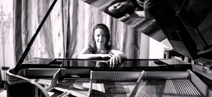 Η ταλαντούχα νεαρή πιανίστρια που κατάφερε να σαγηνεύσει τους Νεοϋορκέζους