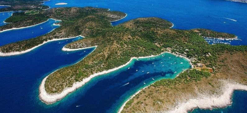 """3 ελληνικά νησιά στα 12 κορυφαία """"μυστικά"""" νησιά της Ευρώπης"""