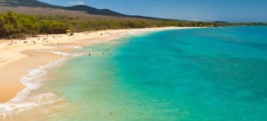2 ελληνικά νησιά στα καλύτερα μέρη για διακοπές