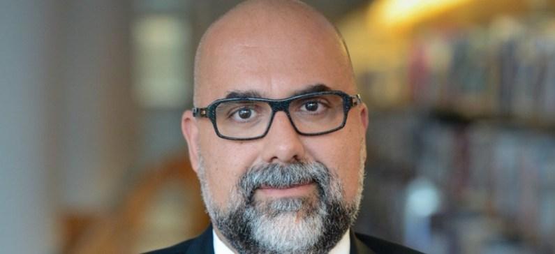Καθηγητής σε μία από τις καλύτερες επιχειρηματικές σχολές στην Ευρώπη