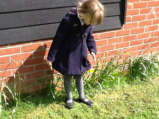 Lily-w-shadow-(outdoor-learning)