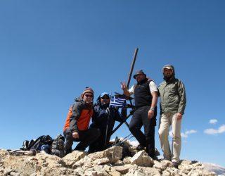 .Στην-κορυφή-Qizil-Qaya-3726μ-1η-ανάβαση-Ηλίας-Τσίκας-Πέτρος-Τόλιας.-Γιάννης-Ψύρρας-Νίκος-Κρούπης.