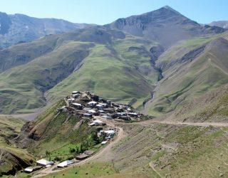 Το χωρίο Xinaliq ο ψηλότερος οικισμός στην Ευρώπη.
