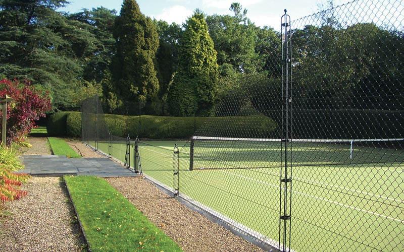 Stylish tennis court fencing by Elliott Courts - EnTC.