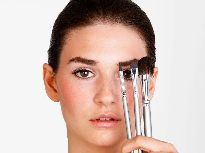 The 12 Essential Makeup Brushes You Should Have - Ellis James Designs
