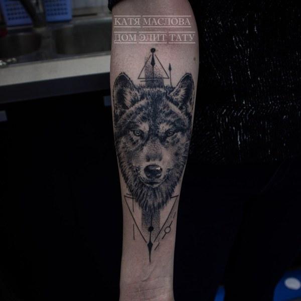 Фото татуировки в стиле графика, дотворк волк с элементами ...