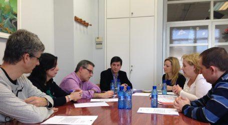 La eurodiputada Andrés se reúne con el AMPA del San Juan de Ribera