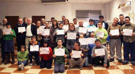 Entrega de los diplomas a los participantes de las Jornadas de Educación Vial de Alaquàs