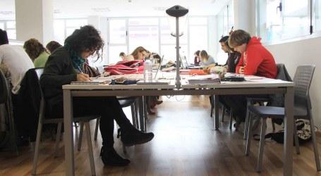 Los estudiantes de Mislata llenan la nueva aula de estudio de La Fábrica