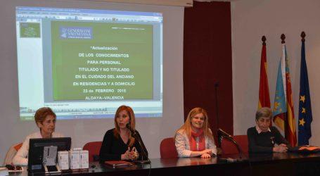 La alcaldesa de Aldaia inaugura el curso sobre el cuidado del anciano