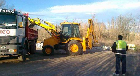 El Ayuntamiento de Manises retira 40 toneladas de escombros de sus calles