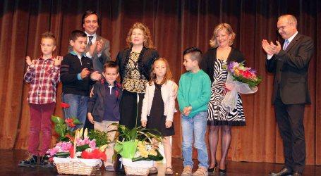 Manises entrega el Premio Mujer 2015 a Conchín Darijo