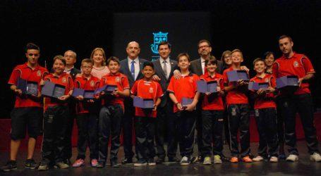 Los mejores deportistas de Burjassot reciben su reconocimiento