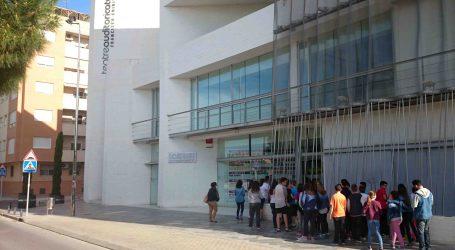 Mil escolares disfrutan de las artes escénicas en Catarroja con la campaña 'Anem al teatre'
