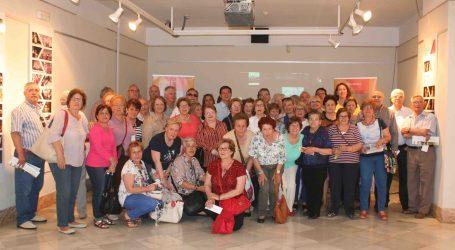 Una exposición rinde homenaje al tejido asociativo de Burjassot
