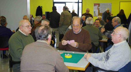 Los mayores de Xirivella pueden volver a jugar al Bingo en los hogares de los jubilados