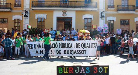 Burjassot protesta ante el cierre de unidades de Infantil