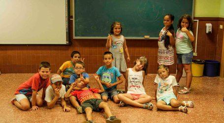480 xiquets  participen en l'escola infantil d'estiu d'Alaquàs