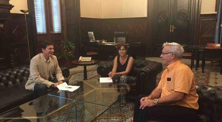 Rafa García invita al alcalde de Valencia a visitar el monumento de Los Silos de Burjassot