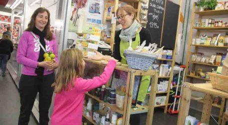 La campaña 'Saborea el Otoño' llena de clientes los mercados municipales de Torrent