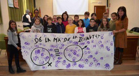 Los escolares de Benetússer presentan propuestas sobre igualdad en el pleno infantil