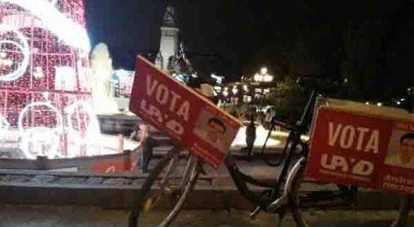 Un vecino de Sedaví hace campaña por UPyD en bicicleta por las calles de Madrid