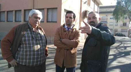 El alcalde de Paterna visita el Sanchis Guarner per a programar millores en les instal.lacions
