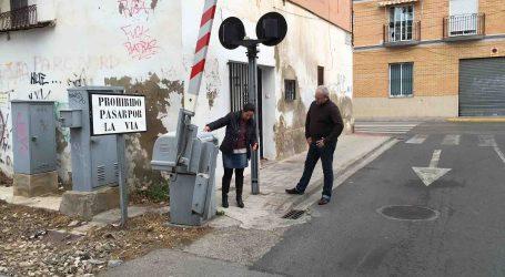Ciudadanos de Burjassot pide que se mejore la accesibilidad de los peatones en el paso a nivel de Mariano Ribera