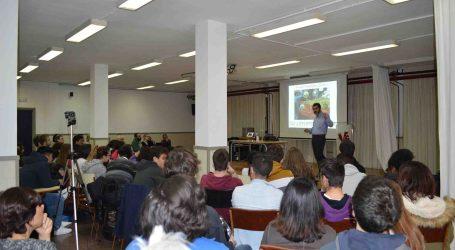 Las ondas gravitatorias llegan al IES Vicent Andrés Estellés de Burjassot