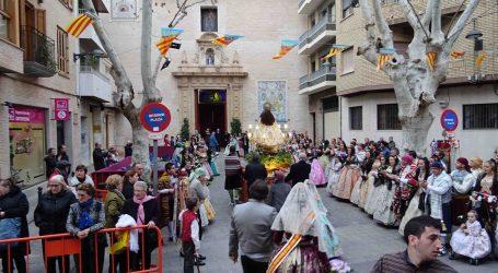 3.000 fallers i falleres de Xirivella van participar en l'ofrena a la Mare de Déu de la Salut