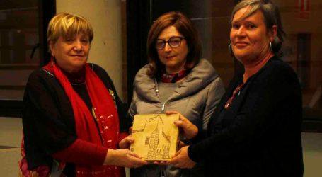 Alaquàs entrega el Premi Clara Campoamor a la Coordinadora Feminista de València