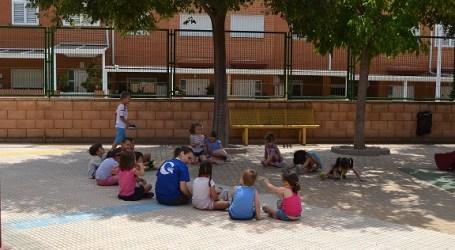 El campament urbà de Manises ofereix un mes de juliol replet d'activitats lúdic-formatives