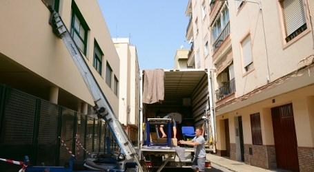 Continua el trasllat de material a les noves instal·lacions del CEIP Rosa Serrano de Paiporta