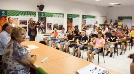 La Escuela de Capataces Agrícolas recibe a 240 alumnos