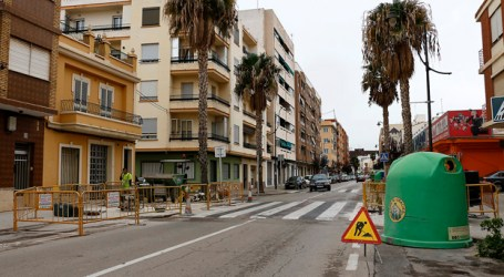 Puçol quita pasos de cebra elevados en la carretera de Barcelona