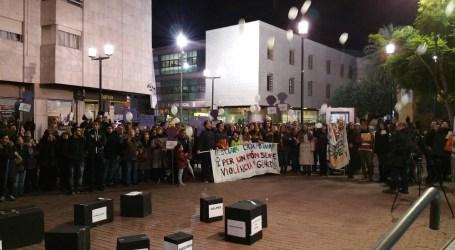 Marxa cívica pels carrers d'Alaquàs contra la violència de gènere