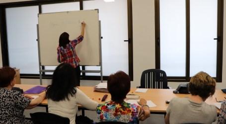Nou curs al Centre de Formació de Persones Adultes de Rafelbunyol