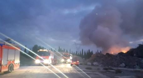 Nuevo incendio en la planta de reciclaje de Torrent