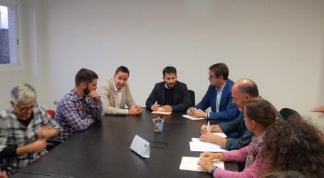 El Conseller Vicent Marzà se reúne con las AMPAS de Foios
